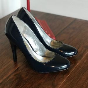 High Heels - Navy Blue, Size 8 NWOT